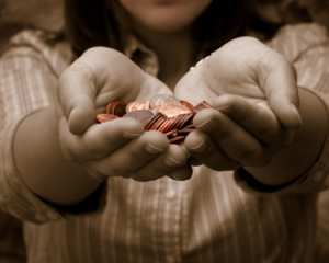 woman-offering-coins